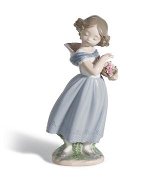Adorable innocence Girl Figurine
