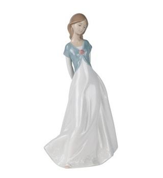 Trunly in Love Figurine