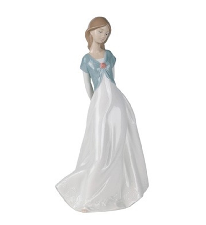 Trunly in Love Figurine
