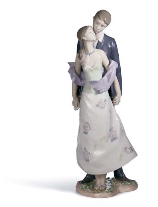 Perfect Match Figurine